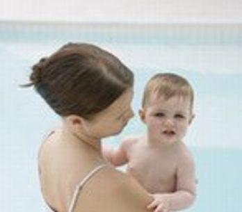 Bebés nadadores