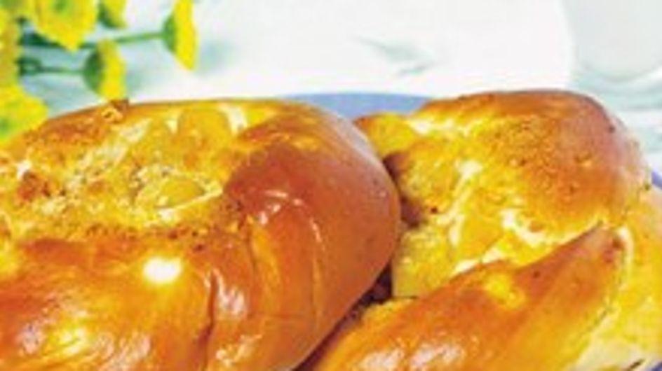 Receta del Roscón de Reyes con fruta escarchada