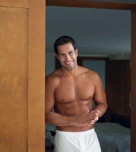 ¿Cómo debe vestir un hombre con mucho músculo?