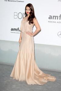 Aishwarya Rai en Armani Privé au gala de l'amfAR 2014 à Cannes