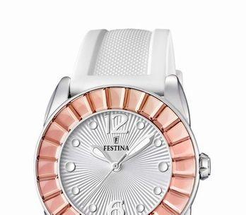 ¡Relojes blancos para el verano!