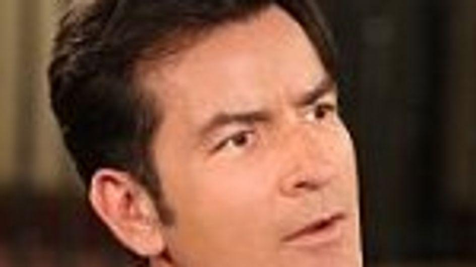Charlie Sheen le habla a sus hijos