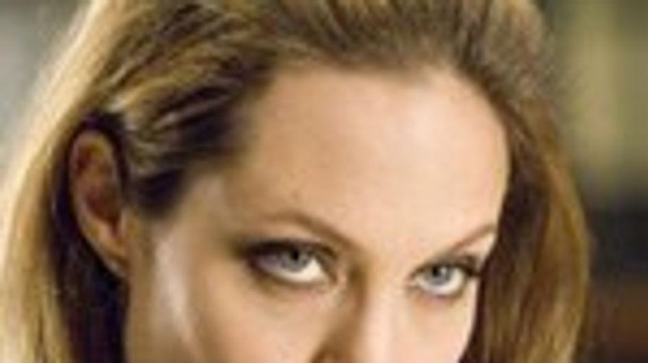 Angelina Jolie no puede con todos