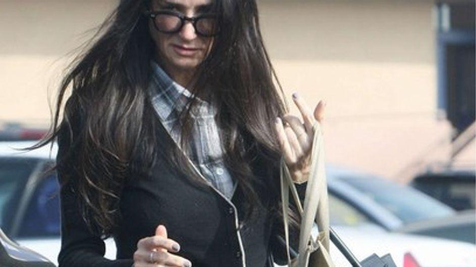 Demi Moore ingresa en un centro de rehabilitación