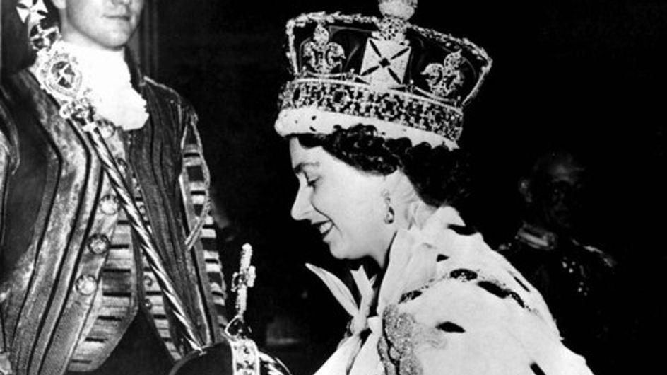 La Reina Isabel cumple 60 años en el trono británico