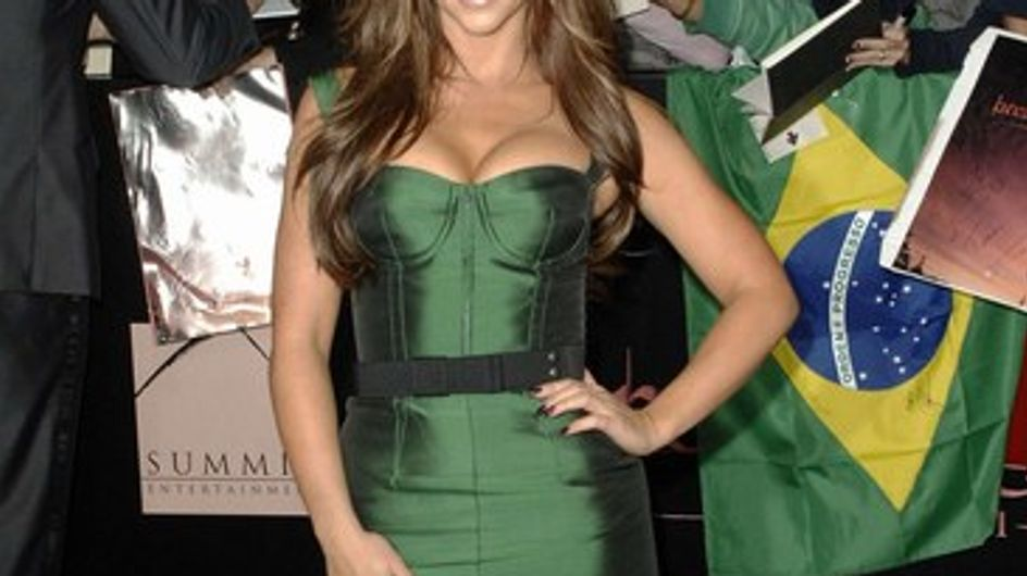 Jennifer Love Hewitt, orgullosa de sus pechos