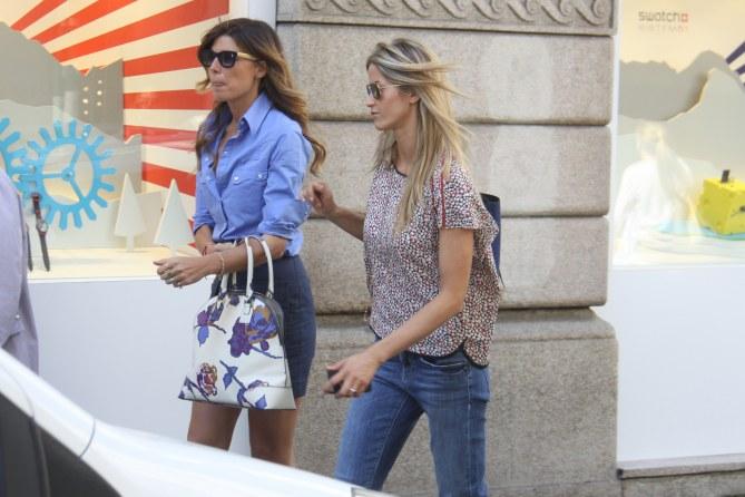 Elena Santarelli con un'amica