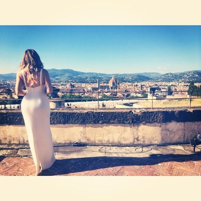 Khloé Kardashian expose ses fesses à la Pippa Middleton