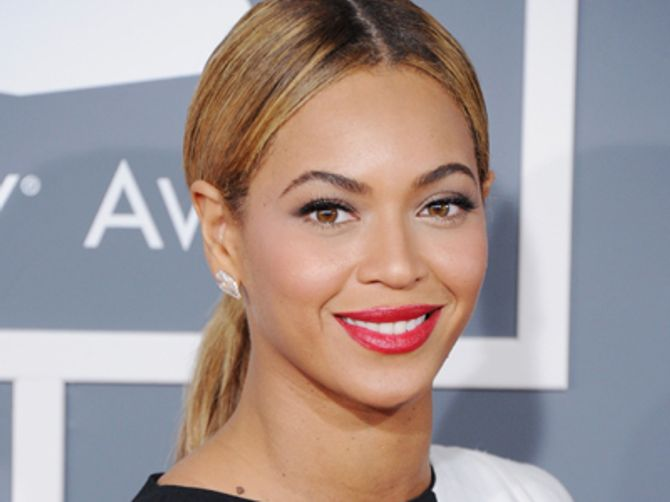 Hydra Facial Fan Beyoncé