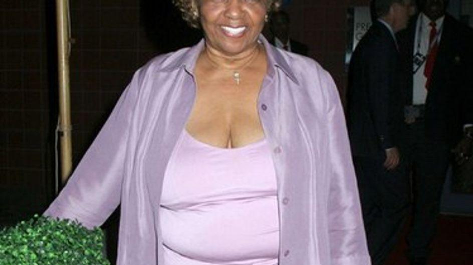 La madre de Whitney Houston rompe su silencio