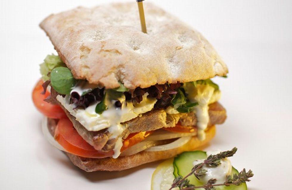 ¡Prueba la deliciosa Greek Club de Home Burguer!