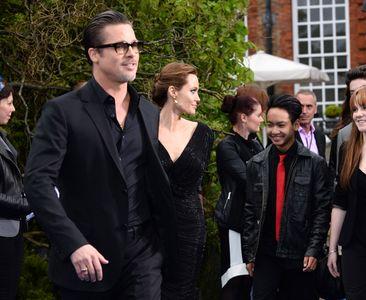 Angelina Jolie, Brad Pitt et leur fils Maddox