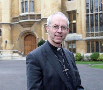 La Iglesia Anglicana vota no al obispado femenino