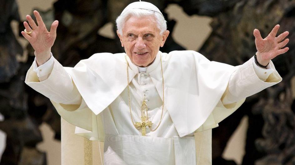 """El Papa renuncia por su """"edad avanzada"""""""