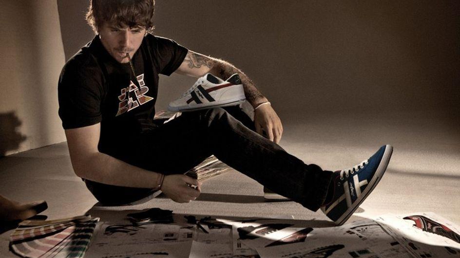 Las zapatillas de Dani Martín para J'hayber ya están a la venta