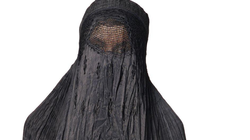 Djihad en Syrie : Qui sont ces jeunes femmes qui partent pour combattre au nom de l'Islam ?
