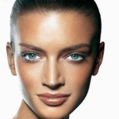 ¿Cómo maquillar una tez morena?