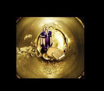Alien, de Thierry Mugler, se viste de oro