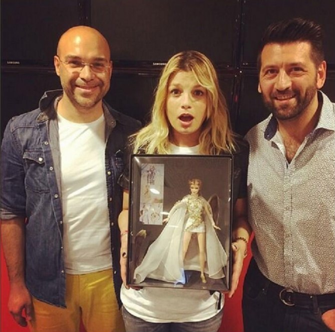 Emma Marrone con la sua Barbie