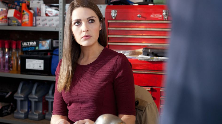 Hollyoaks 16/06 – What is Peri planning?