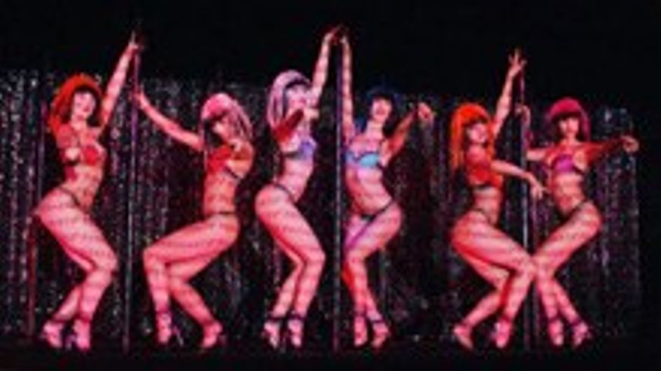 El show Passionata en el Crazy Horse de París
