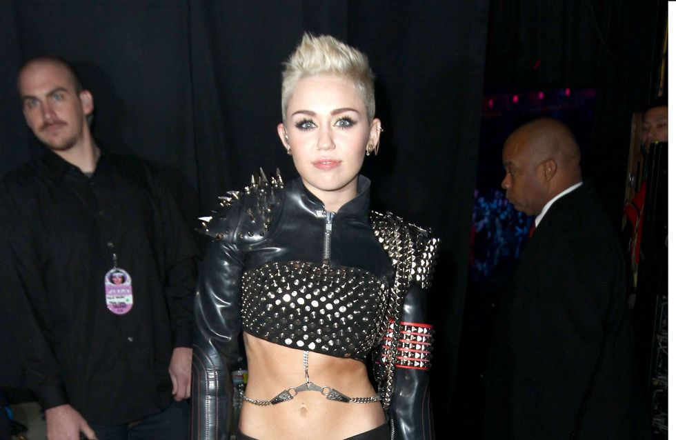 Miley Cyrus : Une nouvelle chanson dédiée à un échec amoureux ?