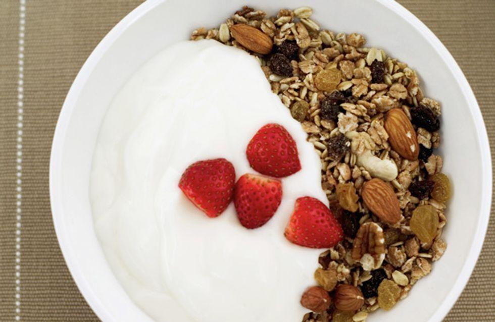 Heißhunger auf Süßes? Diese 10 Lebensmittel machen PMS-Attacken den Garaus