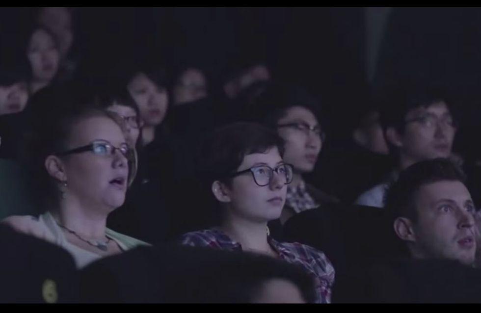 Video/ Sembra una normale proiezione, ma ciò che apparirà sul grande schermo è decisamente inaspettato