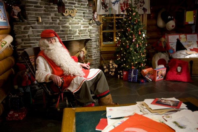 Babbo Natale nella sua casa di Rovanjemi