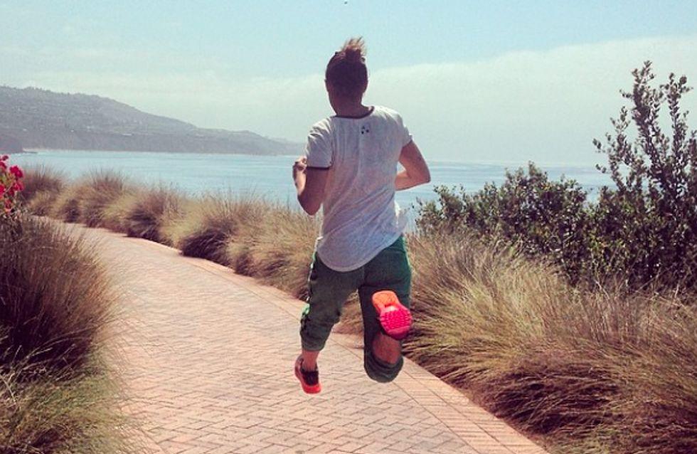 Elisabetta Canalis: corsa e salti in gravidanza. Le critiche dei fan!