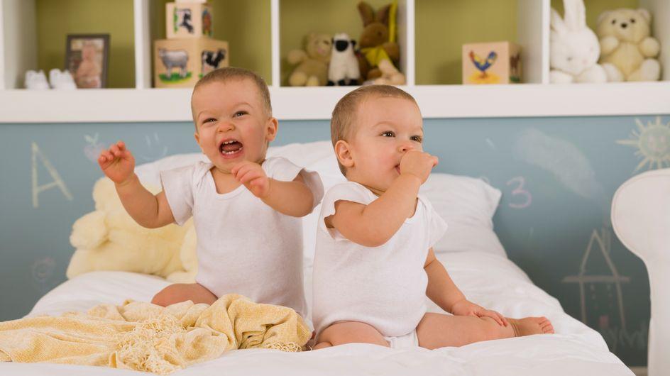 Des jumeaux naissent à 24 jours d'intervalle
