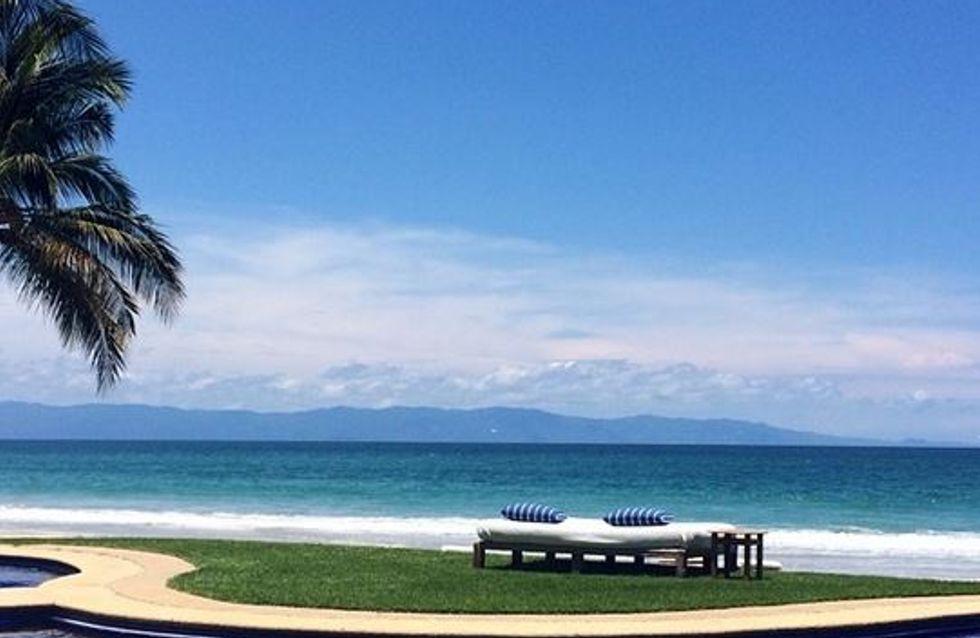 Kim Kardashian : Elle dégaine son petit bikini blanc sous le soleil du Mexique (Photos)