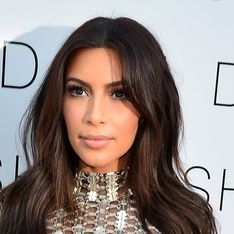 Kim Kardashian : En top transparent pour mettre le feu au concert de Kanye West (Photos)