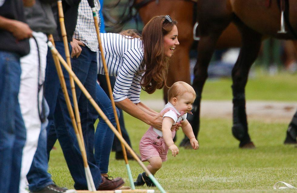 Kate, look sportivo a una partita di polo. Le tenere immagini della Duchessa con il piccolo George!