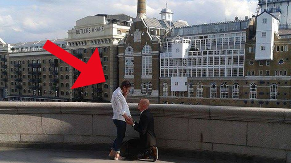 Der romantischste Moment im Leben für immer festgehalten: Kann das Internet dieses Pärchen finden?