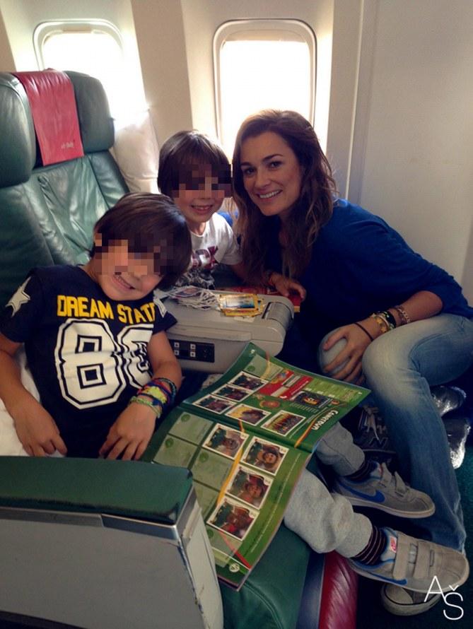 Alena con i figli in partenza per il Brasile