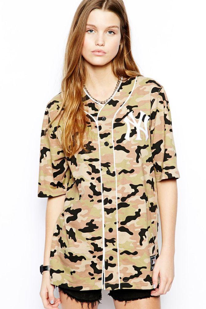 Tee-shirt Asos imprimé camouflage - 49,16 €