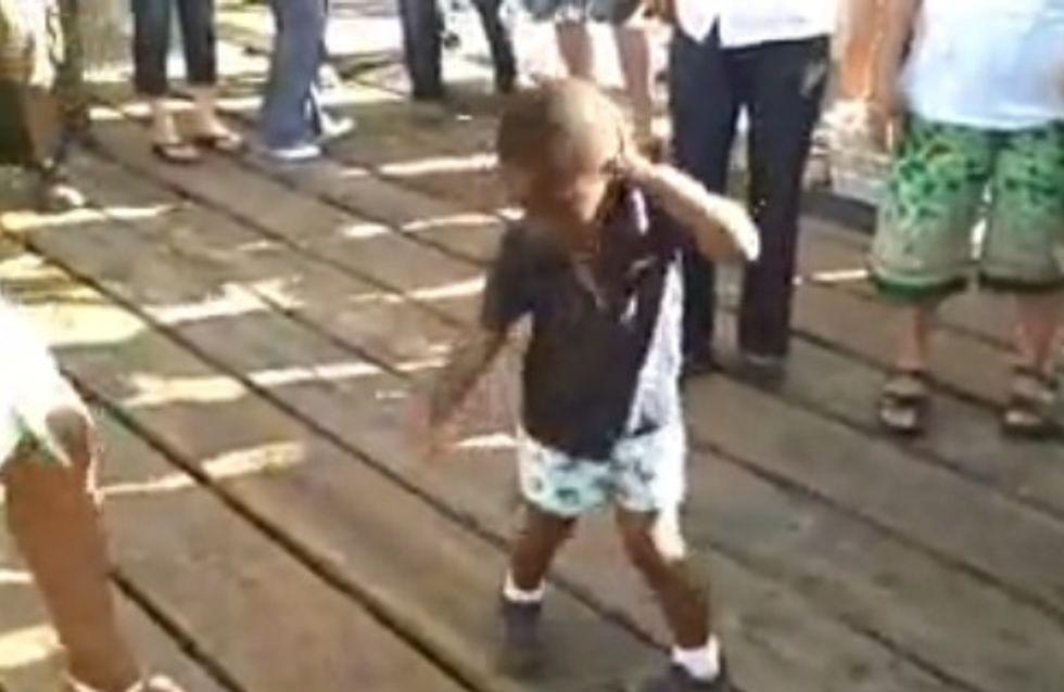 L'incroyable performance d'un bébé qui se déhanche sur un tube de Michael Jackson (Vidéo)