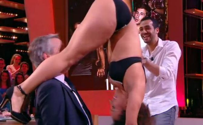 Le strip-tease au Grand Journal ne fait pas rire le CSA