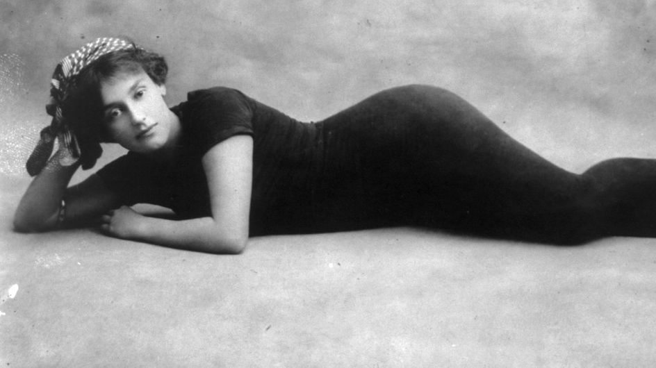Annette Kellerman, defensora del bañador ajustado y arrestada por ello en 1907
