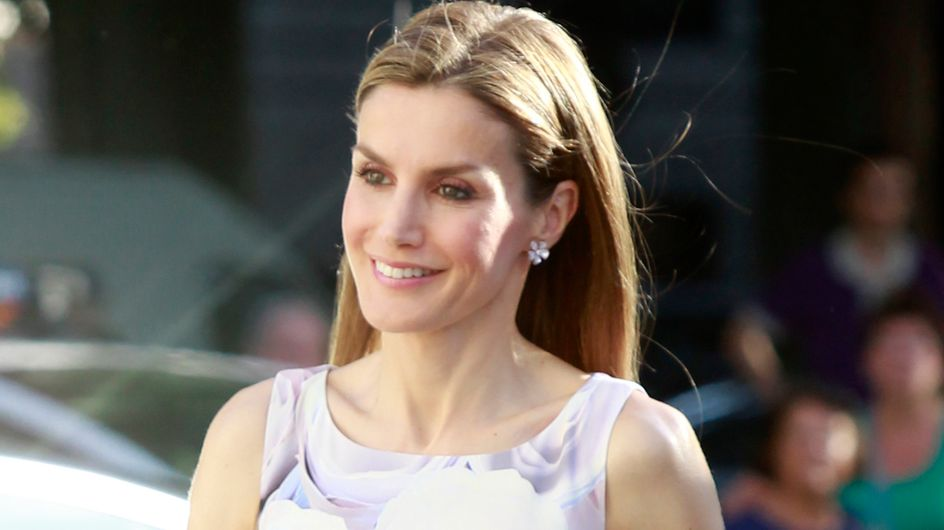 La reina Letizia cambia a Varela por Hugo Boss en su primer acto en solitario