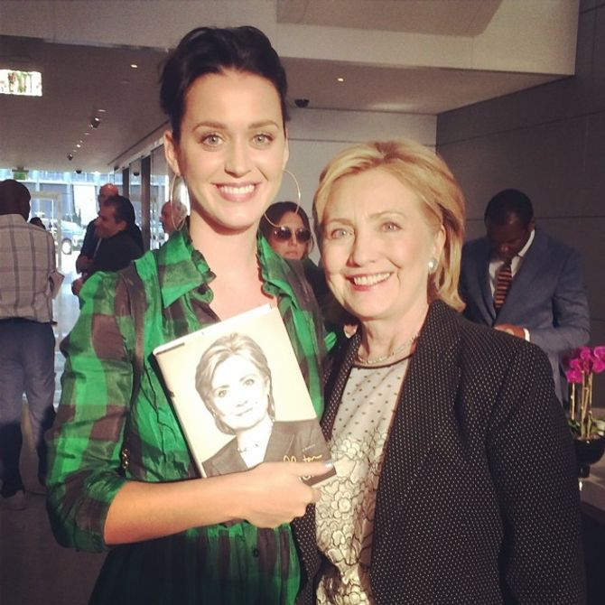 Katy Perry soutient Hillary Clinton