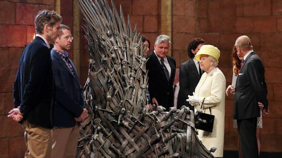 Elizabeth II a refusé de s'installer sur le trône de fer