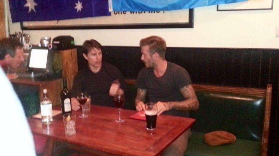 Tom Cruise y David Beckham, de cervezas en un pub inglés