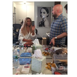 Kim Kardashian et sa perruque blonde