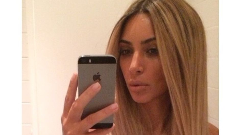 Kim Kardashian : Elle redevient blonde (Photos)