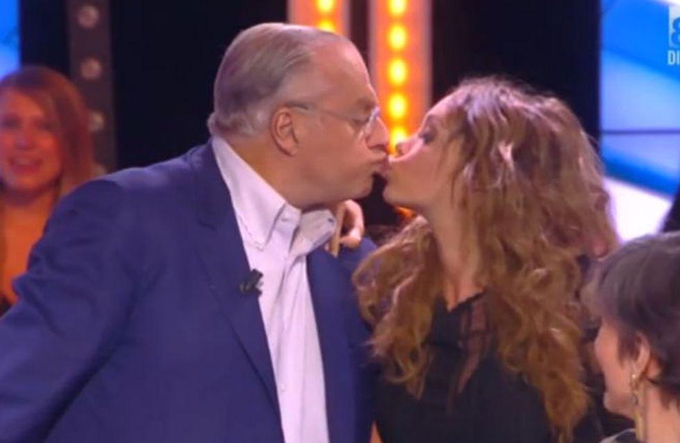 Quand Nabilla embrasse Gérard Louvin sur la bouche (vidéo)