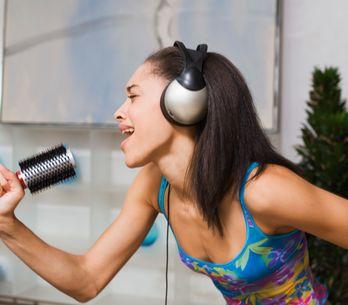 12 chansons qu'on connaît par coeur (et on n'en est pas très fière)