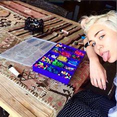 Miley Cyrus baut einen Altar für ihren verstorbenen Hund