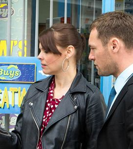 Coronation Street 11/07 – Rob feels the walls closing in